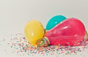ballons for Organizing a housewarming party