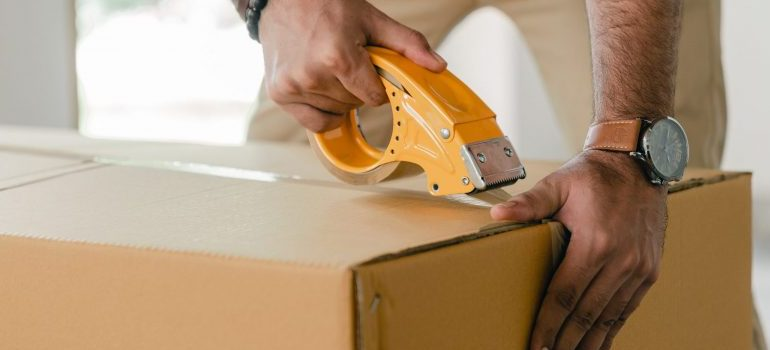 Miamo residential movers will provide moving boxes and packing materials.