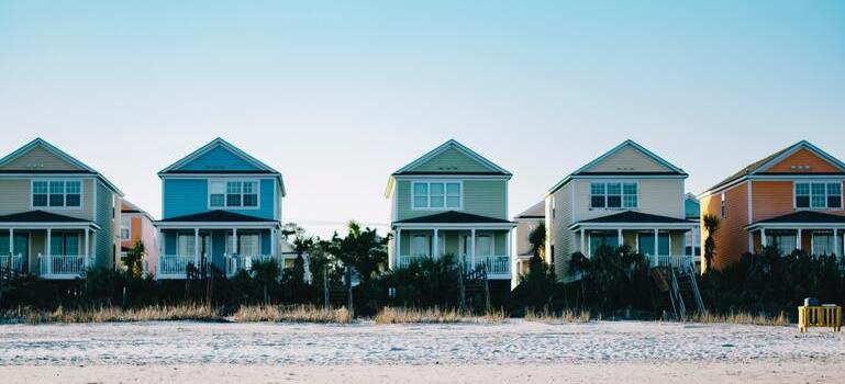 five houses on the beach