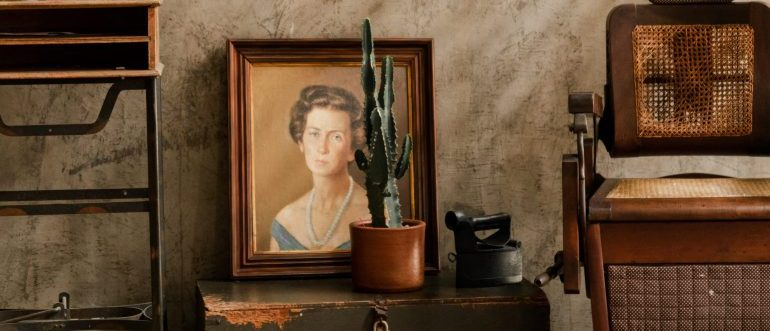 An antique picture and furniture which are items you should never keep in your Florida storage facility