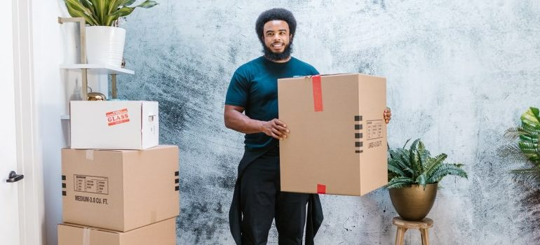 Brickell FL movers in the middle of relocating