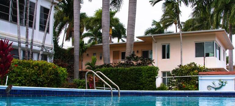 first-time homebuyers should look for in Fort Lauderdale such as pool